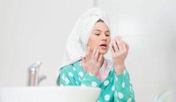 Kako negovati in pomladiti kožo po 50. letu?